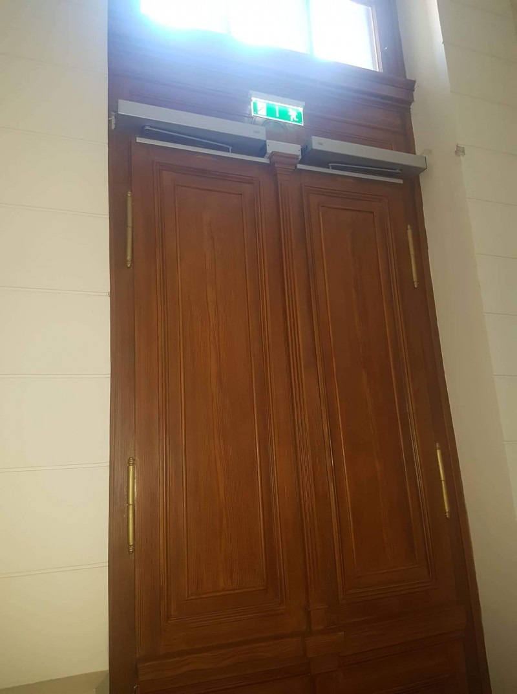 6 db ajtónyitó automatika telepítésünk a Szegedi Tudományegyetemen