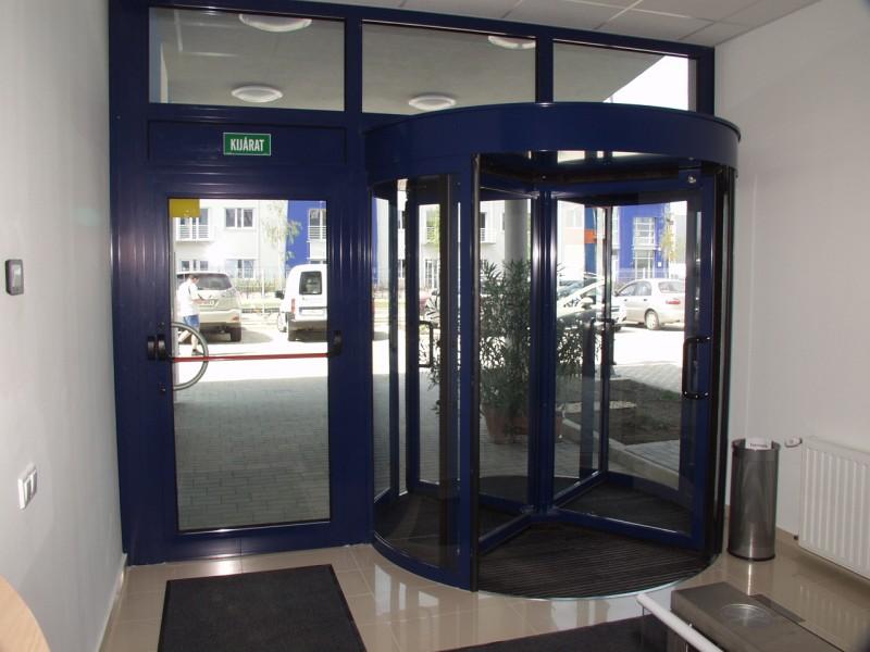 Alumínium üvegajtó és forgó automata ajtó