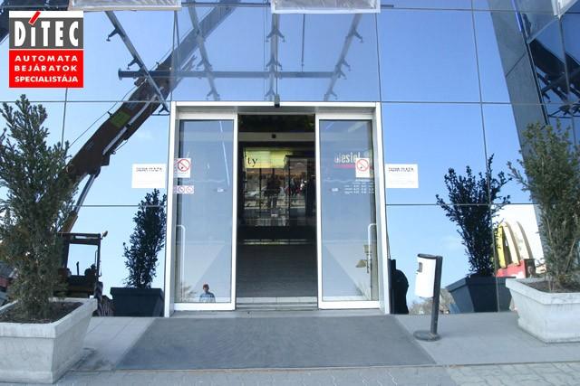 Automata ajtó a Duna Plázában, Ditec