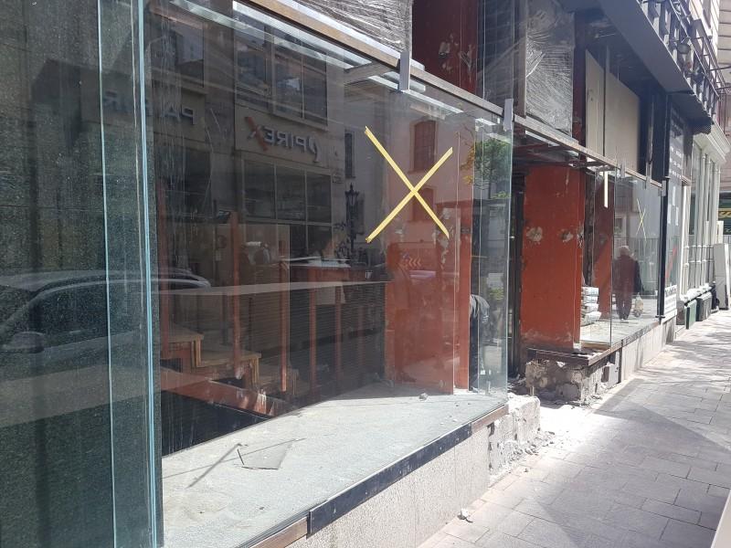 Budapest V. kerületi új szàlloda teljes üveg portàlszerkezet ès automata ajtò telepìtèsünk.